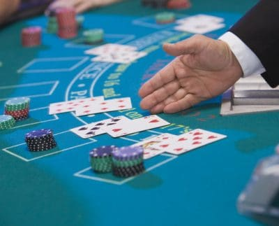 Online Blackjack Versus. Slots The Benefits And Drawbacks