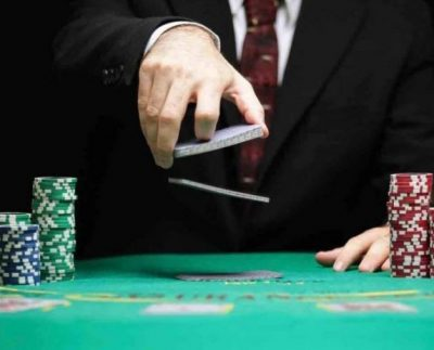 Online Poker Table Tops For Residence Lovers